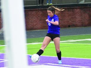 Lady Cat Naomi Coombs fires a shot at the far post for her first goal of the week versus North Murray last Wednesday.